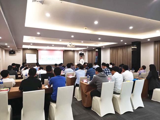 摘要:2019年4月20-21日,中房商学院邀请工程实战讲师在北京召开《房地产工程管理之进度、质量、成本、施工与跨界协同》课程,一起和大家探讨房地产工程管理之进度、质量、成本、施工与跨界协同的一些奥秘。